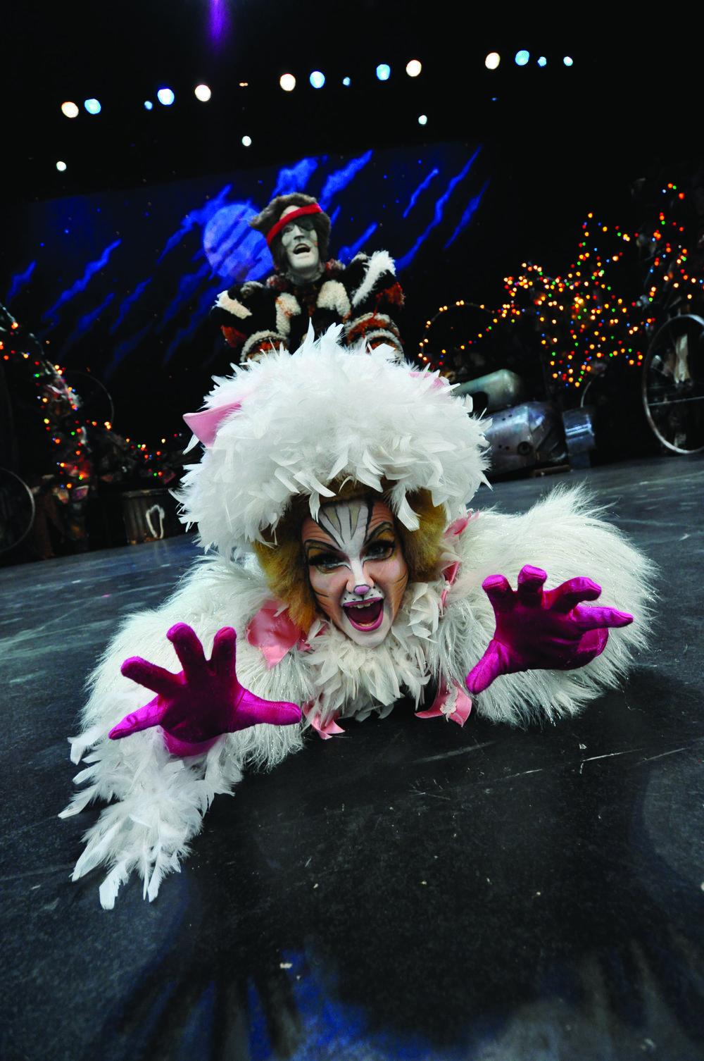 Donna Fletcher & Carson Nattrass -  Cats  dir/chor Ray Hogg