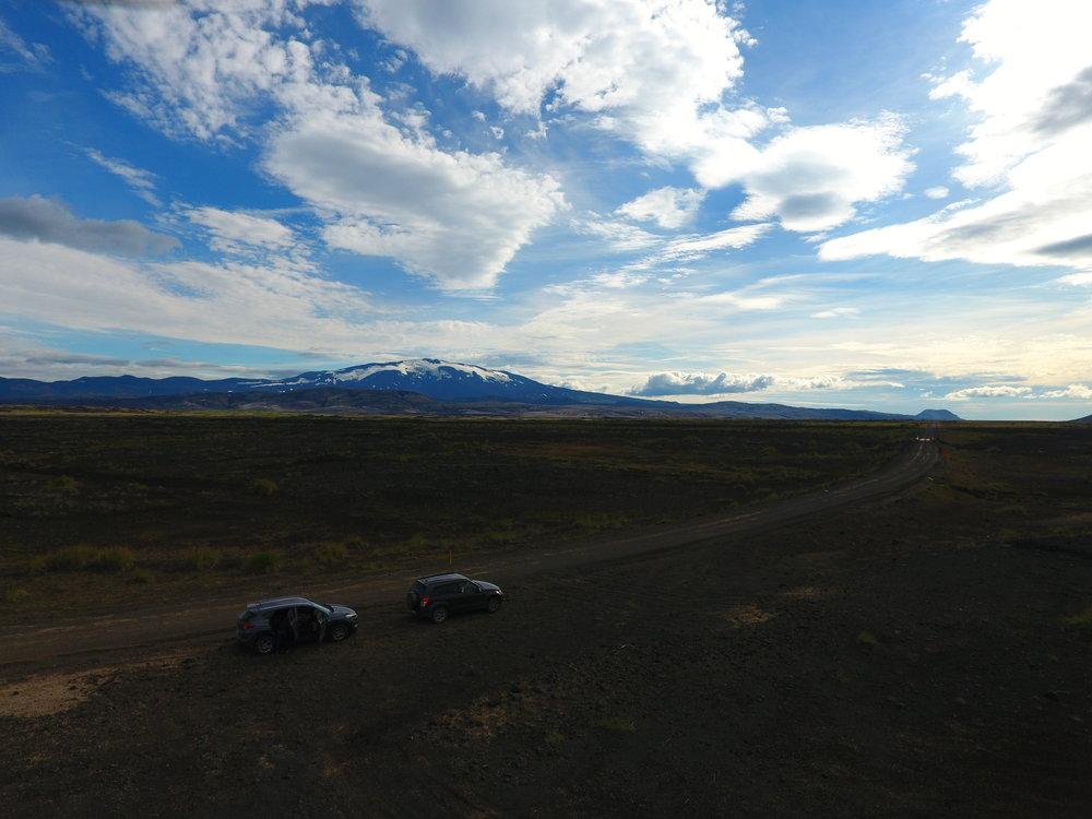 iceland_cars_landscape.jpg
