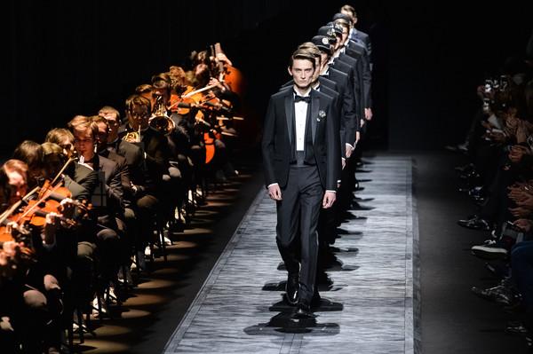 @Dior Homme : Runway - Paris Fashion Week - Menswear F/W 2015-2016