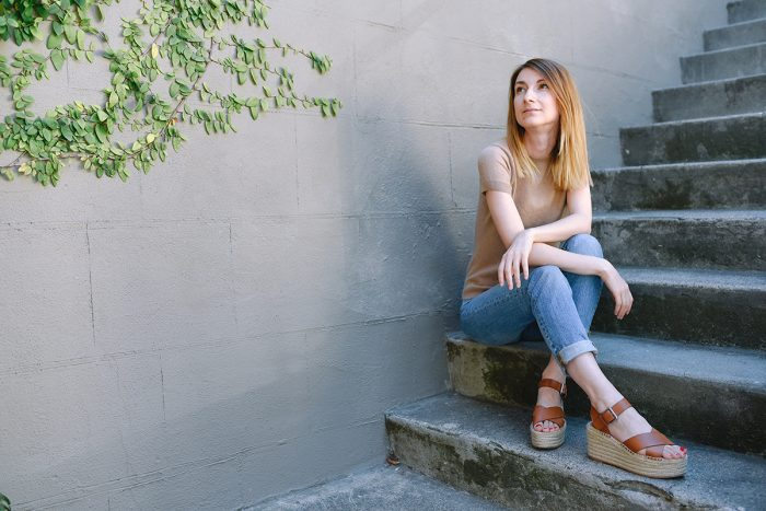grana-boyfriend-jeans-camel-cashmere-top-outfit-4.jpg