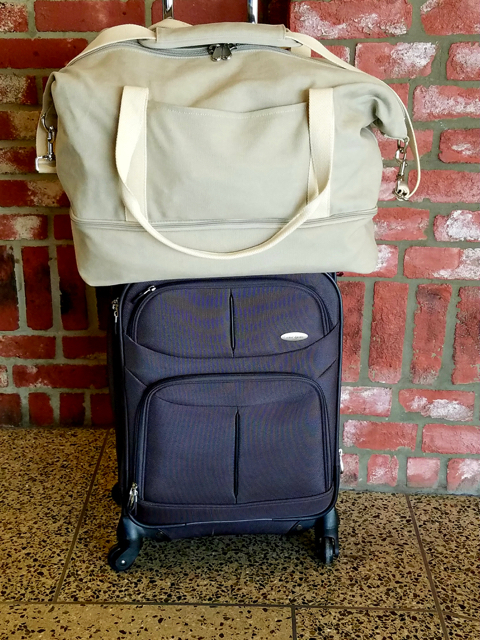 18c2bcc7a1 The only issue I had traveling with this bag is that when I put it on the  belt to go through security