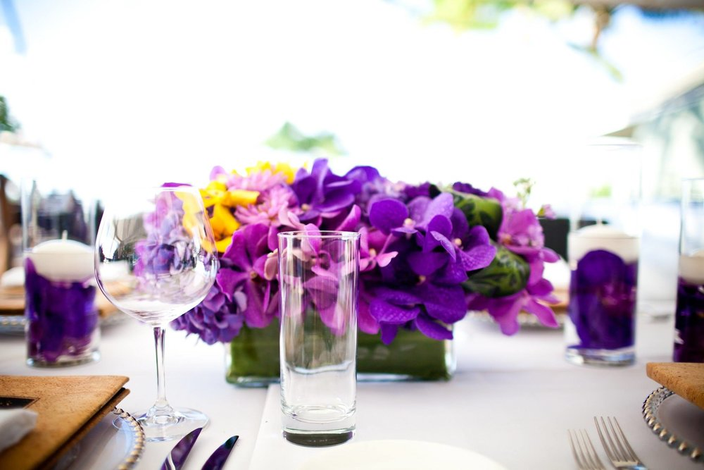 reception centerpiece blues and whites