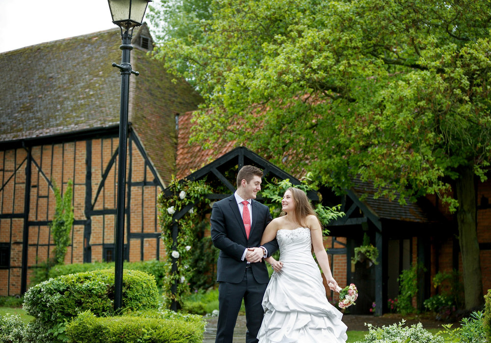 Barns_Hotel_Wedding_Photographer_Bedford_010.jpg