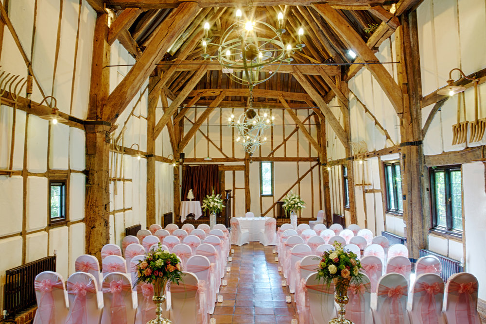Barns_Hotel_Wedding_Photographer_Bedford_017.jpg