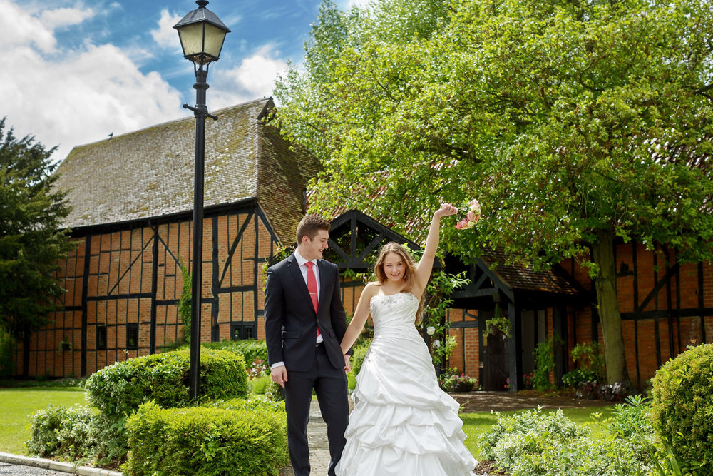 Barns_Hotel_Wedding_Photographer_Bedford_026.jpg