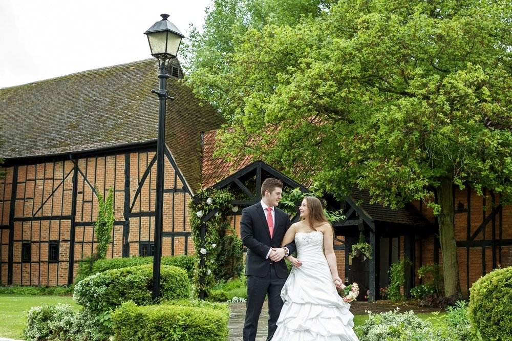 Barns_Hotel_Wedding_Photographer_Bedford_011.jpg