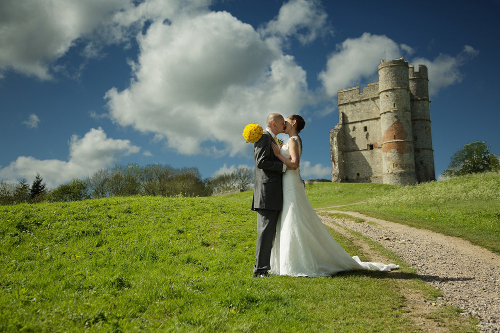 Donnington_Castle_Wedding_Photographer_Newbury_Berkshire_003.jpg