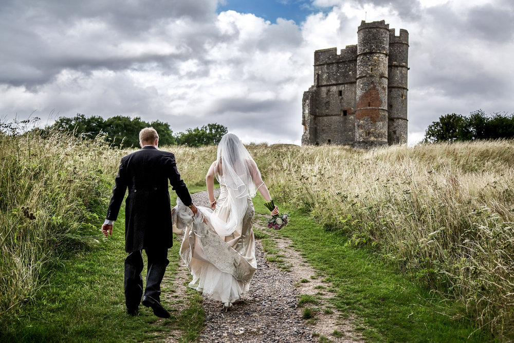 Donnington_Castle_Wedding_Photographer_Newbury_Berkshire_004.jpg