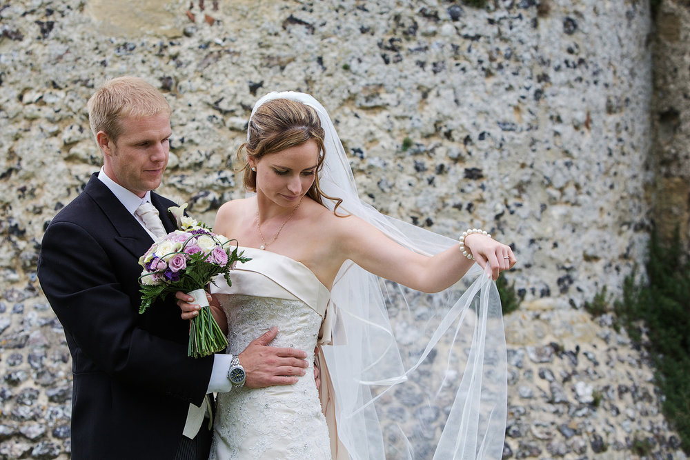 Donnington_Castle_Wedding_Photographer_Newbury_Berkshire_008.jpg