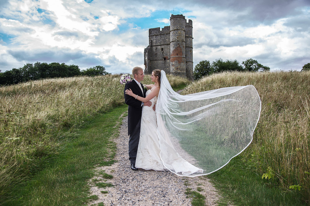Donnington_Castle_Wedding_Photographer_Newbury_Berkshire_007.jpg