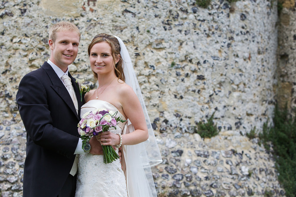 Donnington_Castle_Wedding_Photographer_Newbury_Berkshire_009.jpg