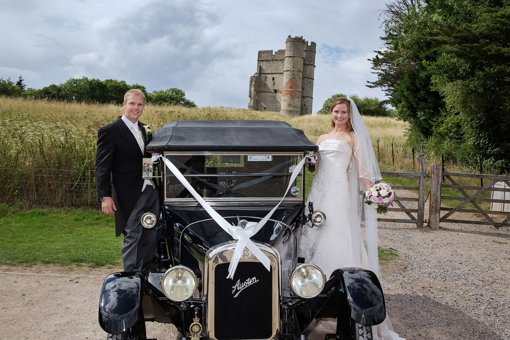 Donnington_Castle_Wedding_Photographer_Newbury_Berkshire_010.jpg