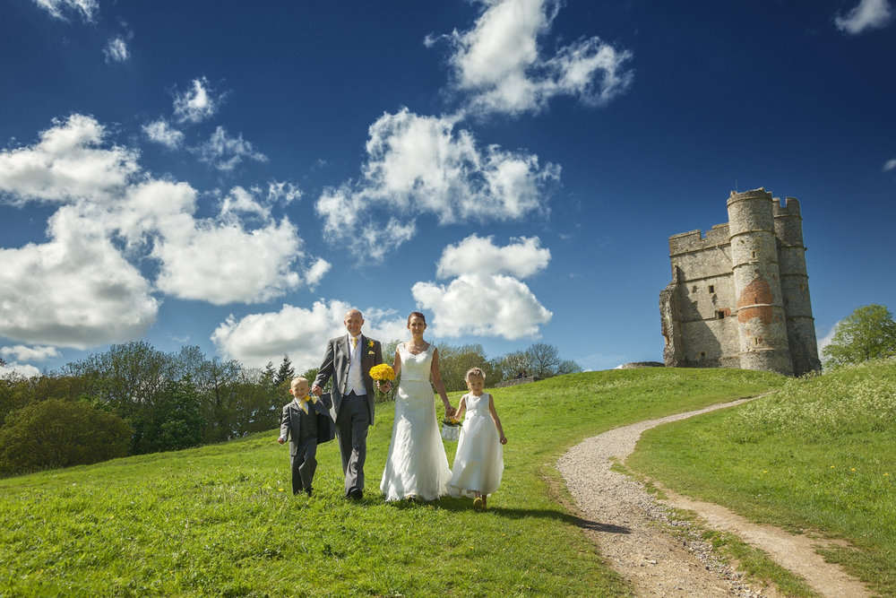 Donnington_Castle_Wedding_Photographer_Newbury_Berkshire_012.jpg