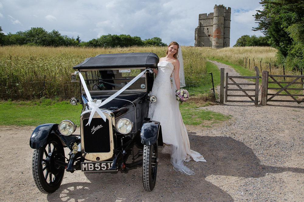 Donnington_Castle_Wedding_Photographer_Newbury_Berkshire_011.jpg