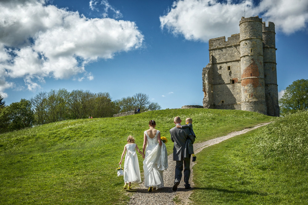Donnington_Castle_Wedding_Photographer_Newbury_Berkshire_015.jpg