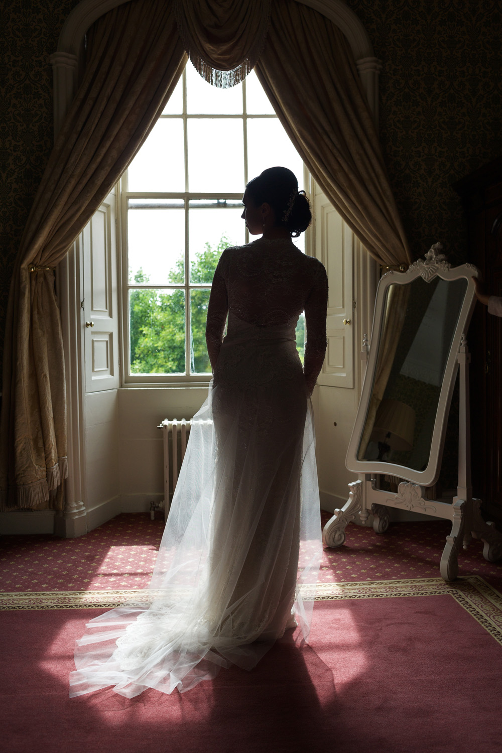 Donnington_Grove_Wedding_Photographer_Newbury_010.jpg