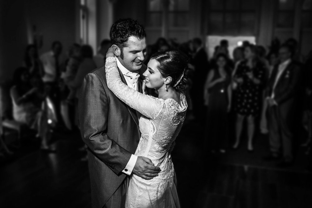 Donnington_Grove_Wedding_Photographer_Newbury_036.jpg
