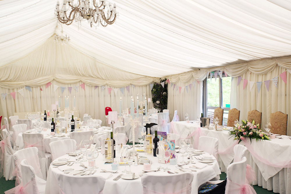 Donnington_Grove_Wedding_Photographer_Newbury_051.jpg