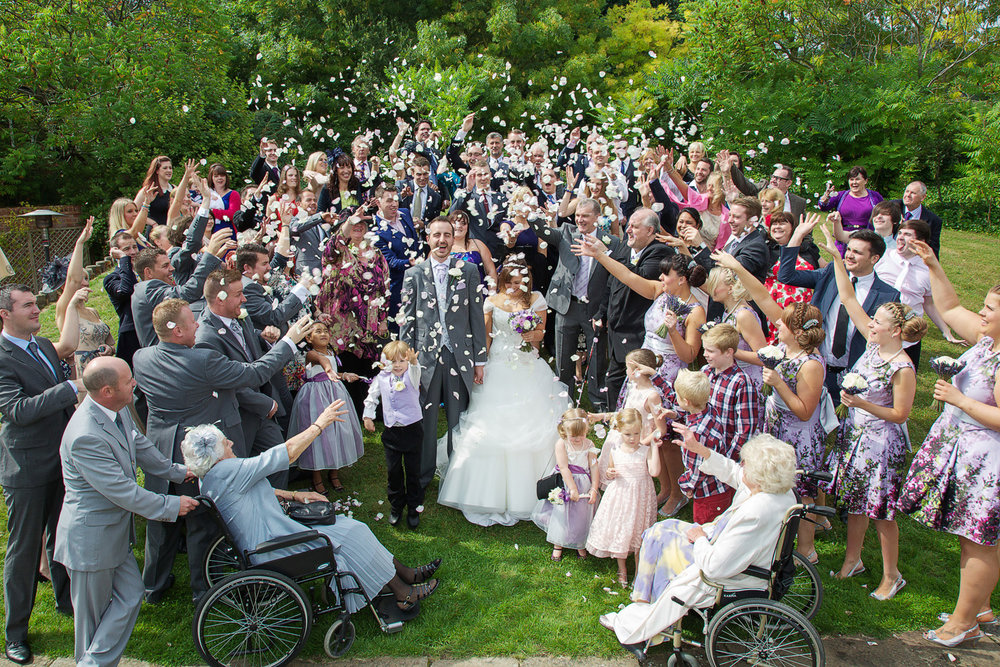 Donnington_Valley_Hotel_Wedding_Photographer_Newbury_Berkshire_016.jpg