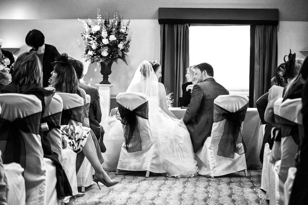 Donnington_Valley_Hotel_Wedding_Photographer_Newbury_Berkshire_018.jpg