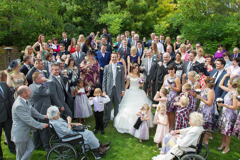 Donnington_Valley_Hotel_Wedding_Photographer_Newbury_Berkshire_022.jpg