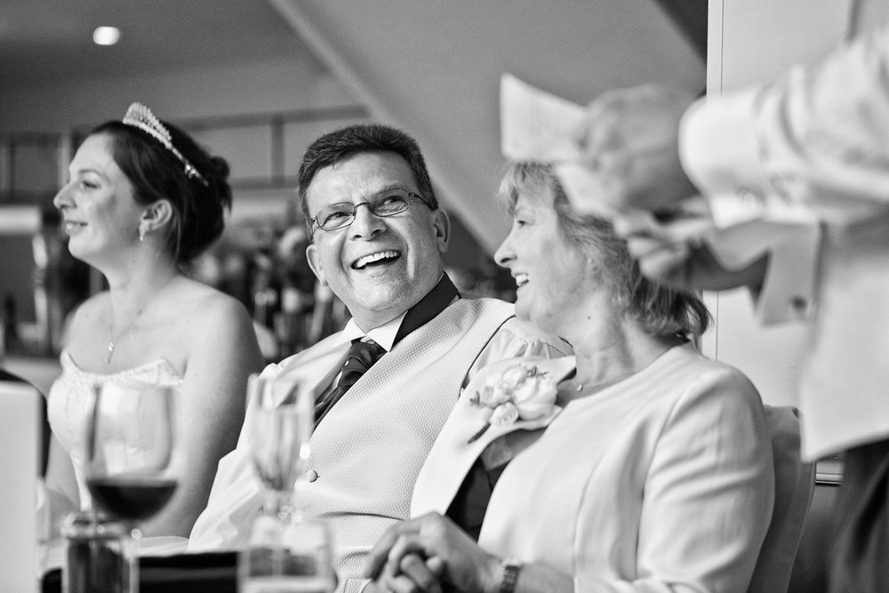 Donnington_Valley_Hotel_Wedding_Photographer_Newbury_Berkshire_038.jpg