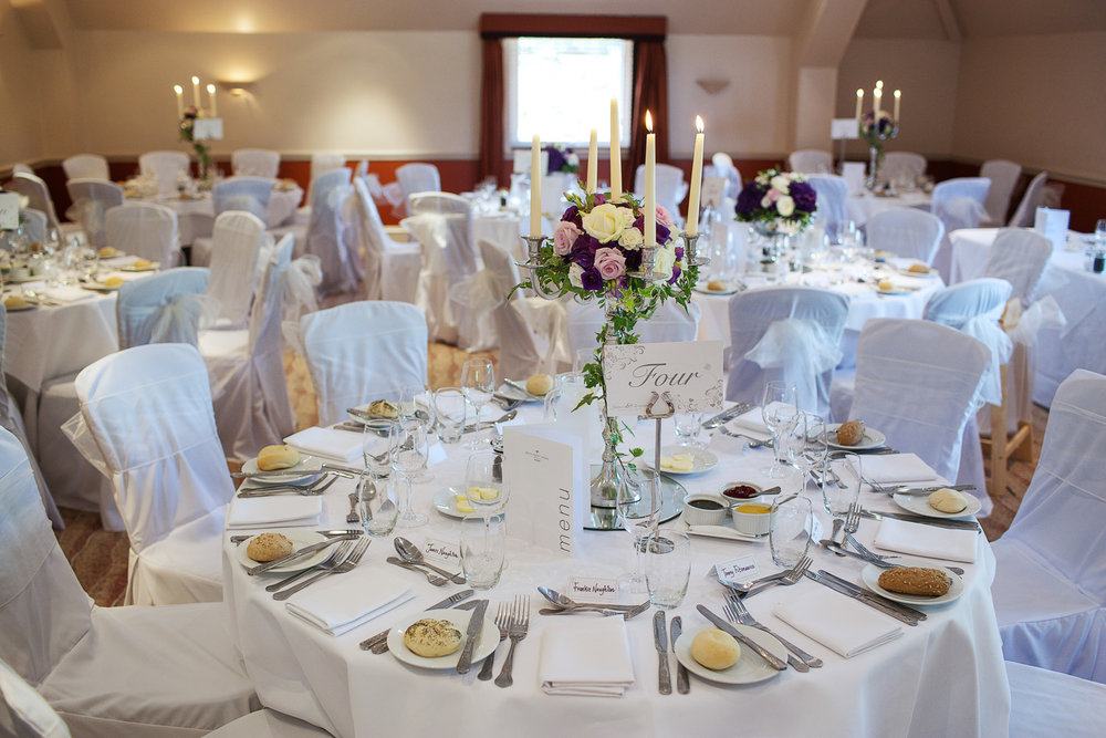 Donnington_Valley_Hotel_Wedding_Photographer_Newbury_Berkshire_044.jpg