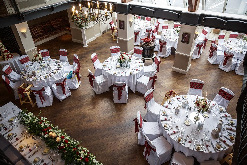 Donnington_Valley_Hotel_Wedding_Photographer_Newbury_Berkshire_049.jpg