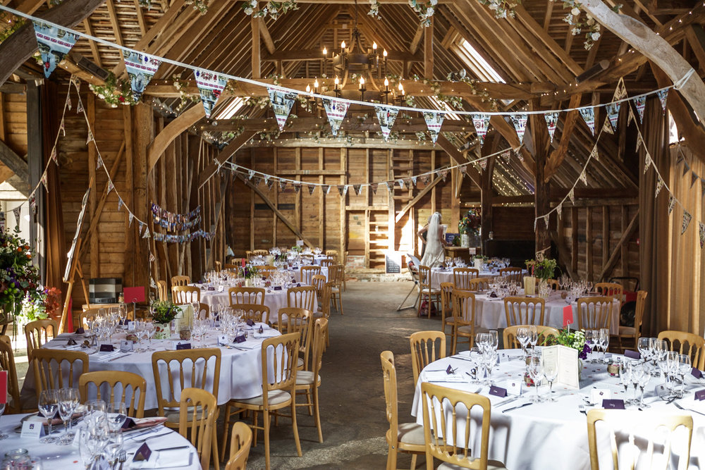 Herons_Barn_Wedding_Photographer_Reading_005.jpg