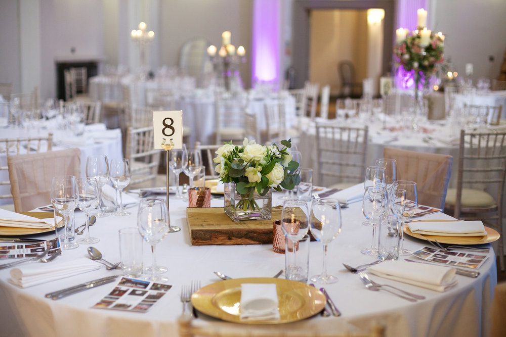 Kings_Head_Hotel_Wedding_Photographer_Cirencester_003.jpg