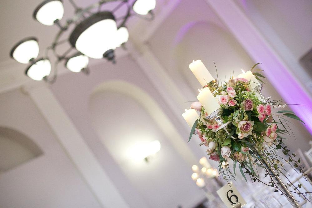 Kings_Head_Hotel_Wedding_Photographer_Cirencester_005.jpg