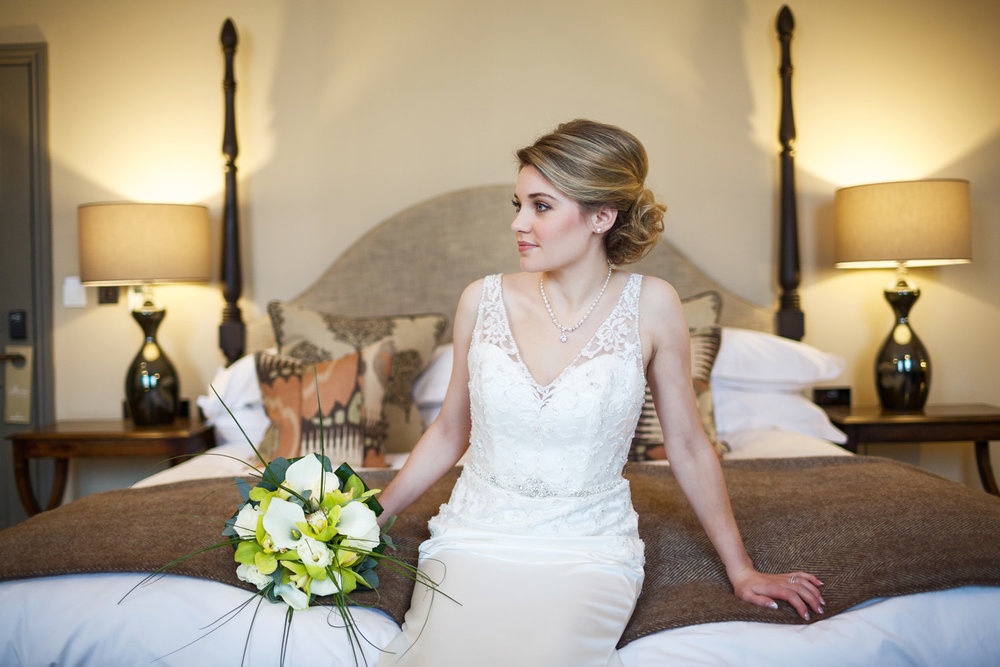Kings_Head_Hotel_Wedding_Photographer_Cirencester_021.jpg