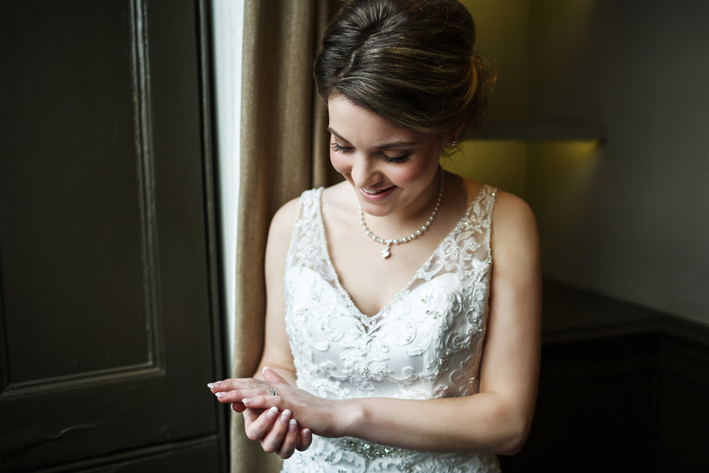 Kings_Head_Hotel_Wedding_Photographer_Cirencester_028.jpg