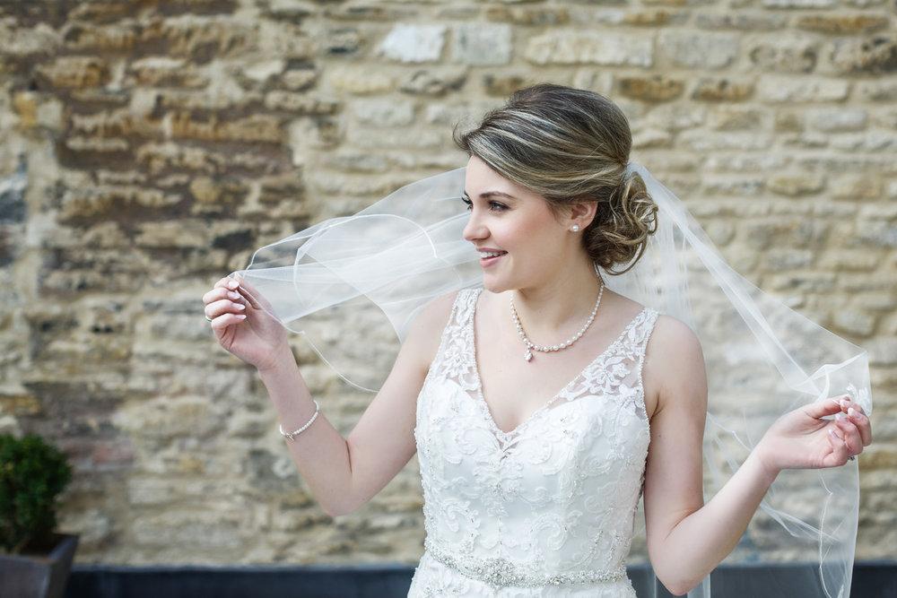 Kings_Head_Hotel_Wedding_Photographer_Cirencester_029.jpg