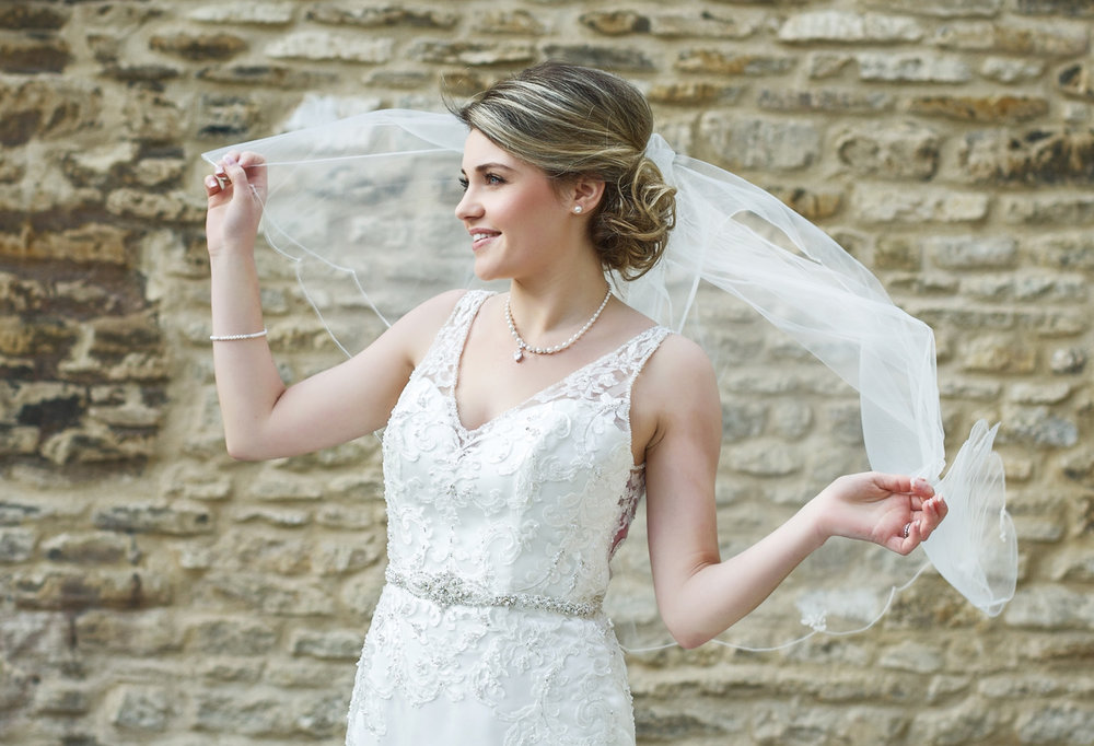 Kings_Head_Hotel_Wedding_Photographer_Cirencester_030.jpg