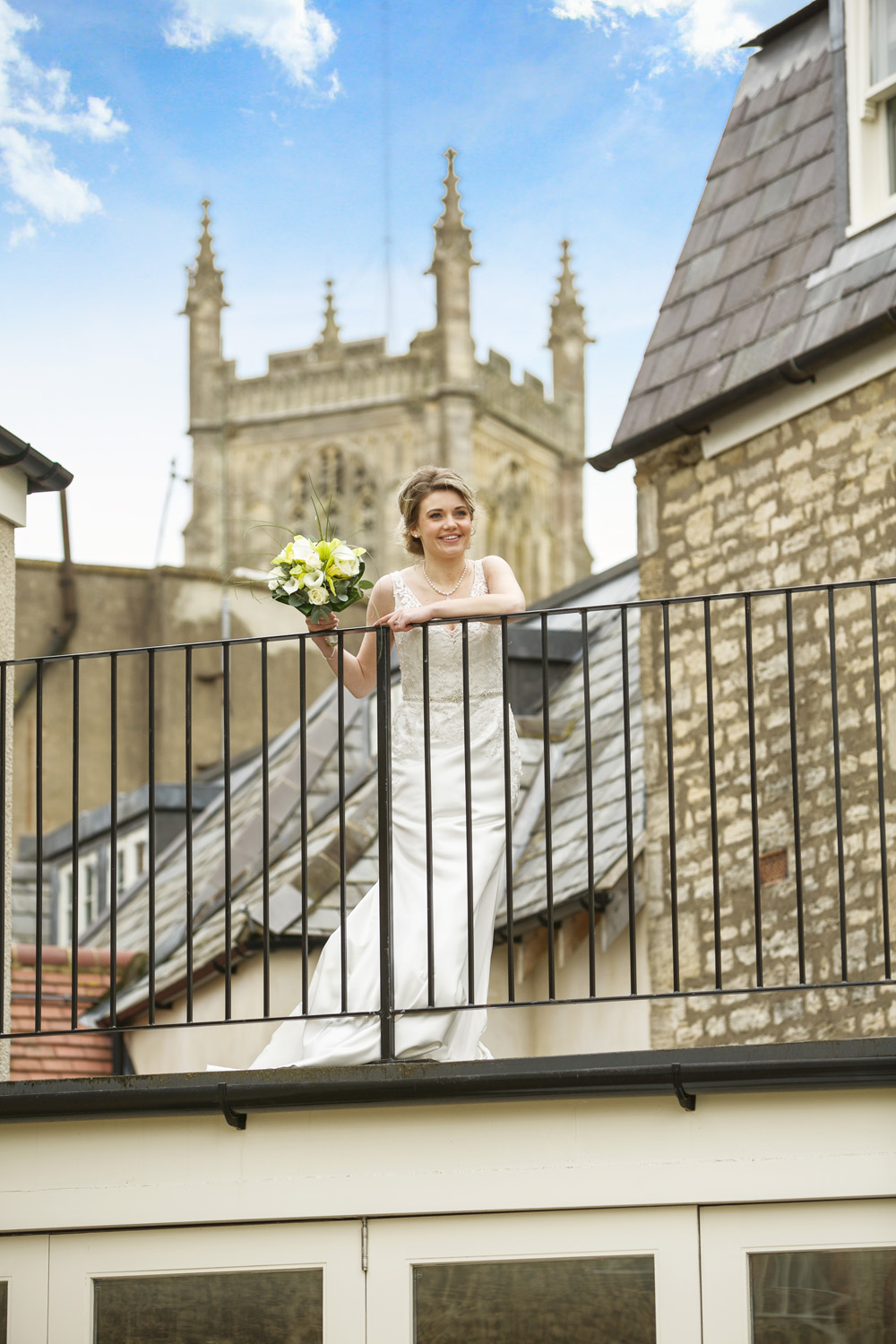 Kings_Head_Hotel_Wedding_Photographer_Cirencester_035.jpg