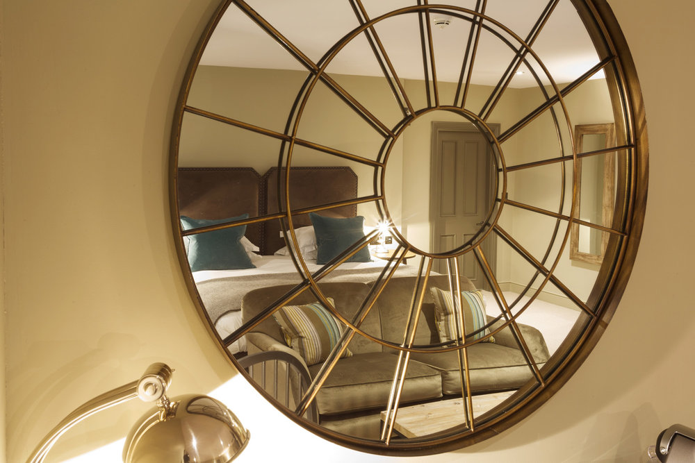 Kings_Head_Hotel_Wedding_Photographer_Cirencester_038.jpg