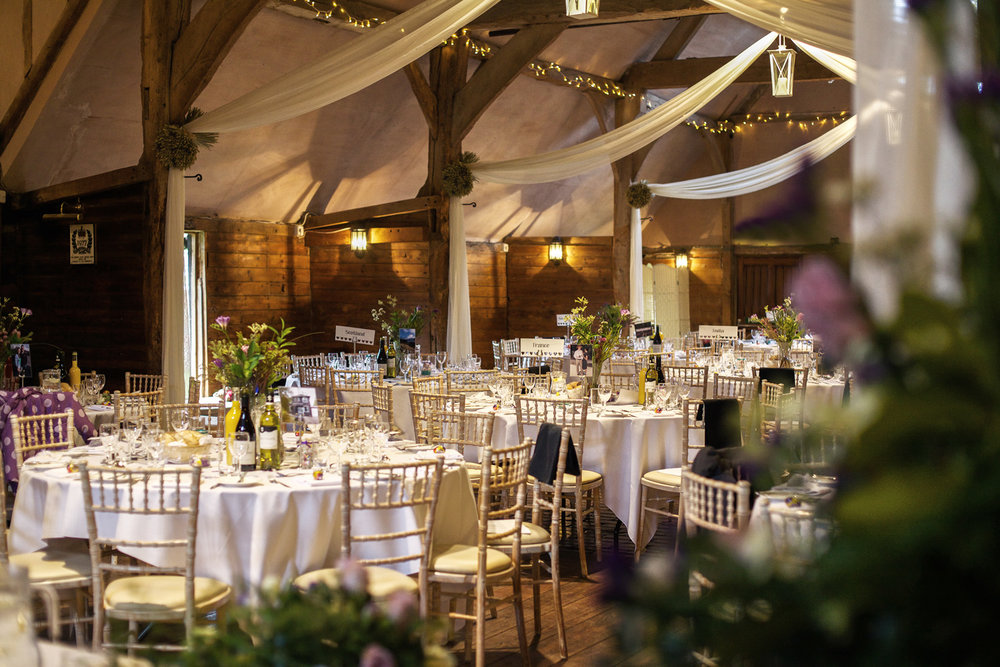 Lains_Barn_Wedding_Photographer_Wantage_002.jpg