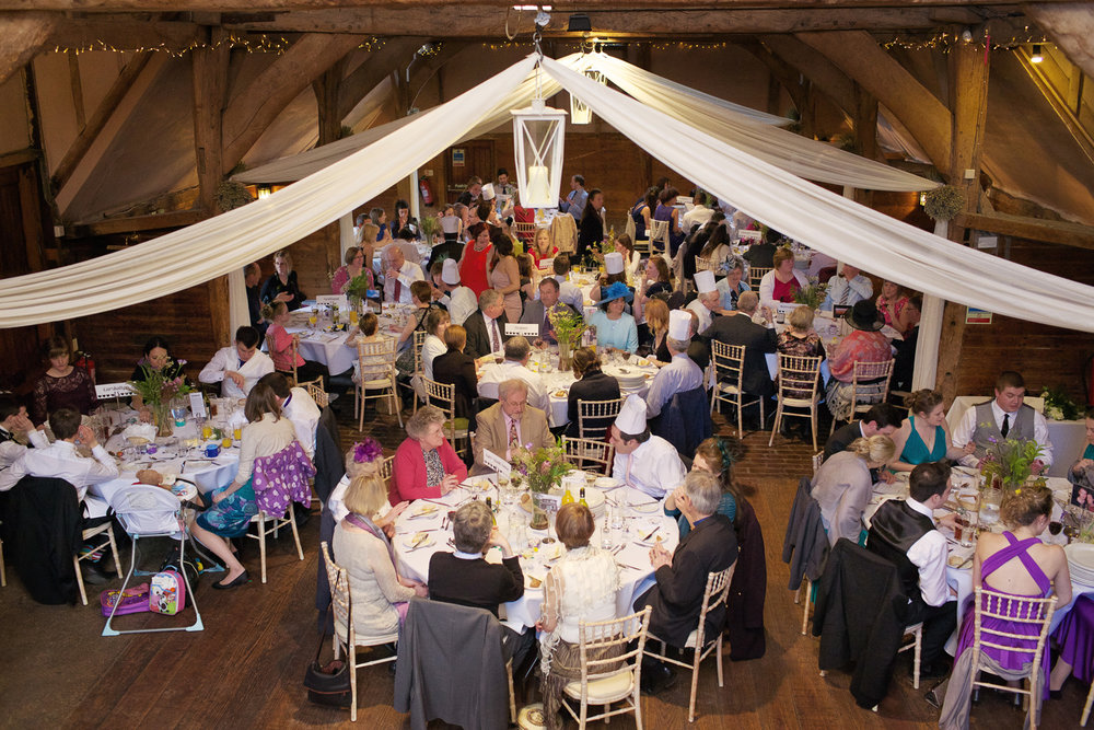 Lains_Barn_Wedding_Photographer_Wantage_018.jpg