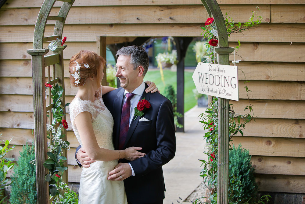 Lains_Barn_Wedding_Photographer_Wantage_032.jpg