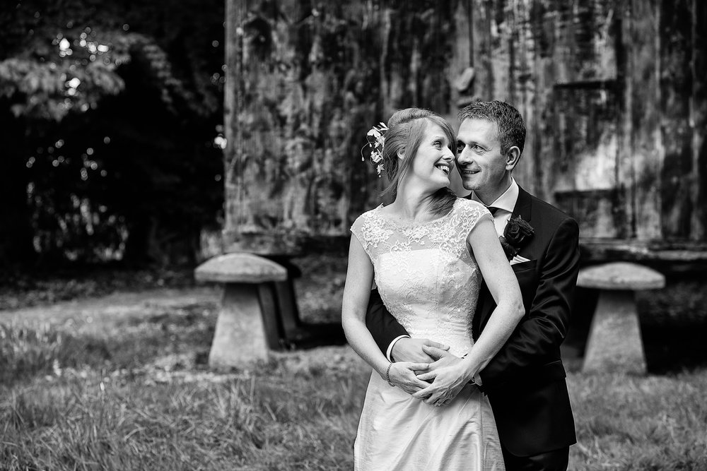 Lains_Barn_Wedding_Photographer_Wantage_034.jpg