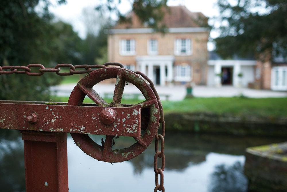 Newbury_Manor_Hotel_Wedding_Photographer_Newbury_Berkshire_002.jpg