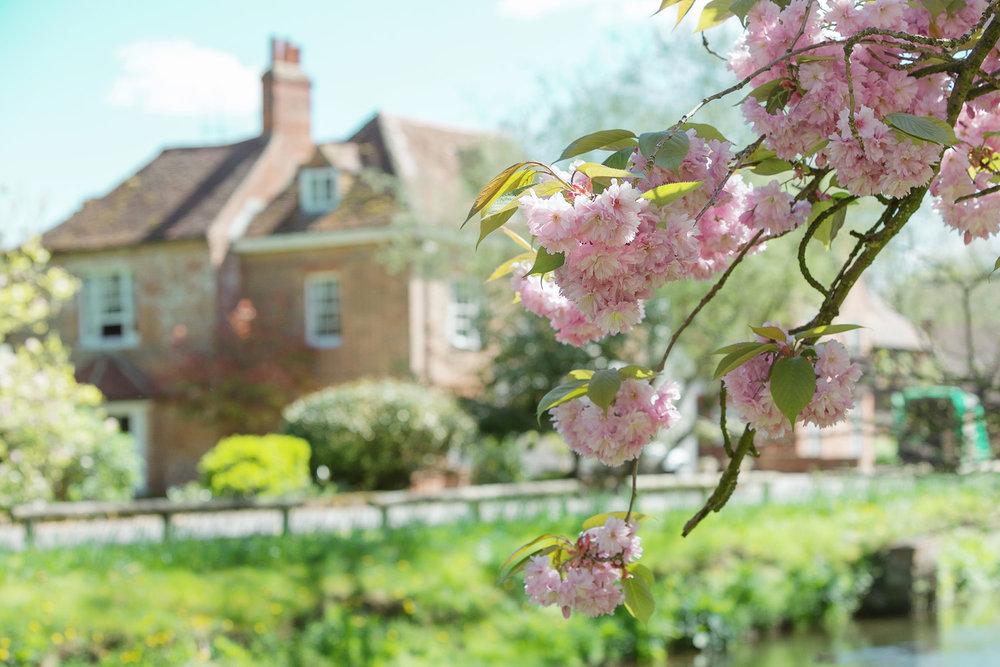 Newbury_Manor_Hotel_Wedding_Photographer_Newbury_Berkshire_003.jpg