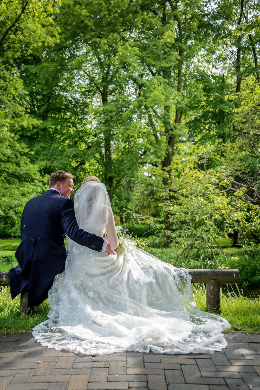 Newbury_Manor_Hotel_Wedding_Photographer_Newbury_Berkshire_012.jpg
