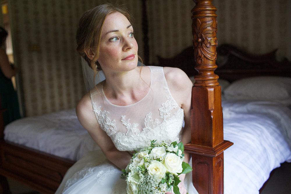 Newbury_Manor_Hotel_Wedding_Photographer_Newbury_Berkshire_016.jpg