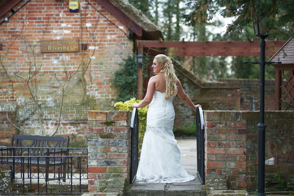 Newbury_Manor_Hotel_Wedding_Photographer_Newbury_Berkshire_017.jpg