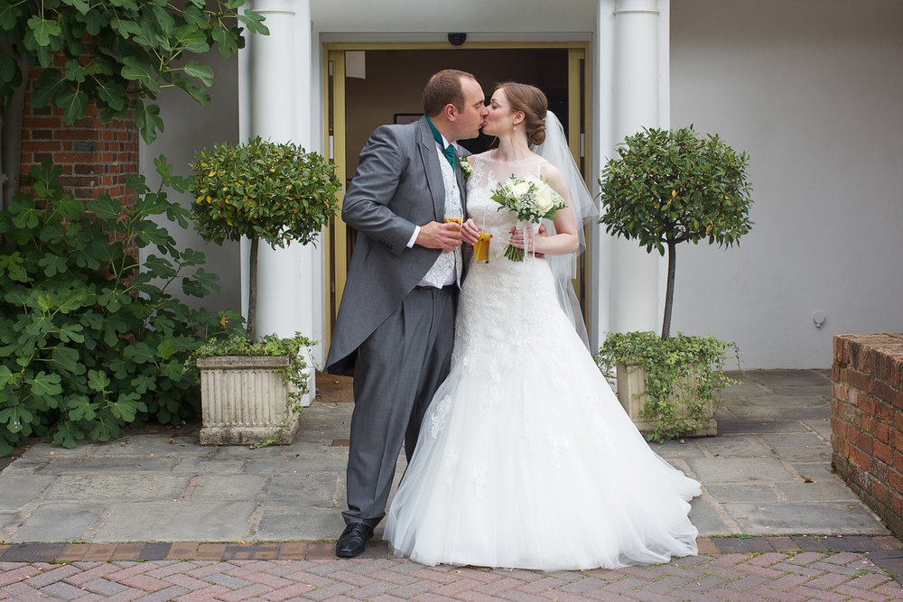 Newbury_Manor_Hotel_Wedding_Photographer_Newbury_Berkshire_018.jpg