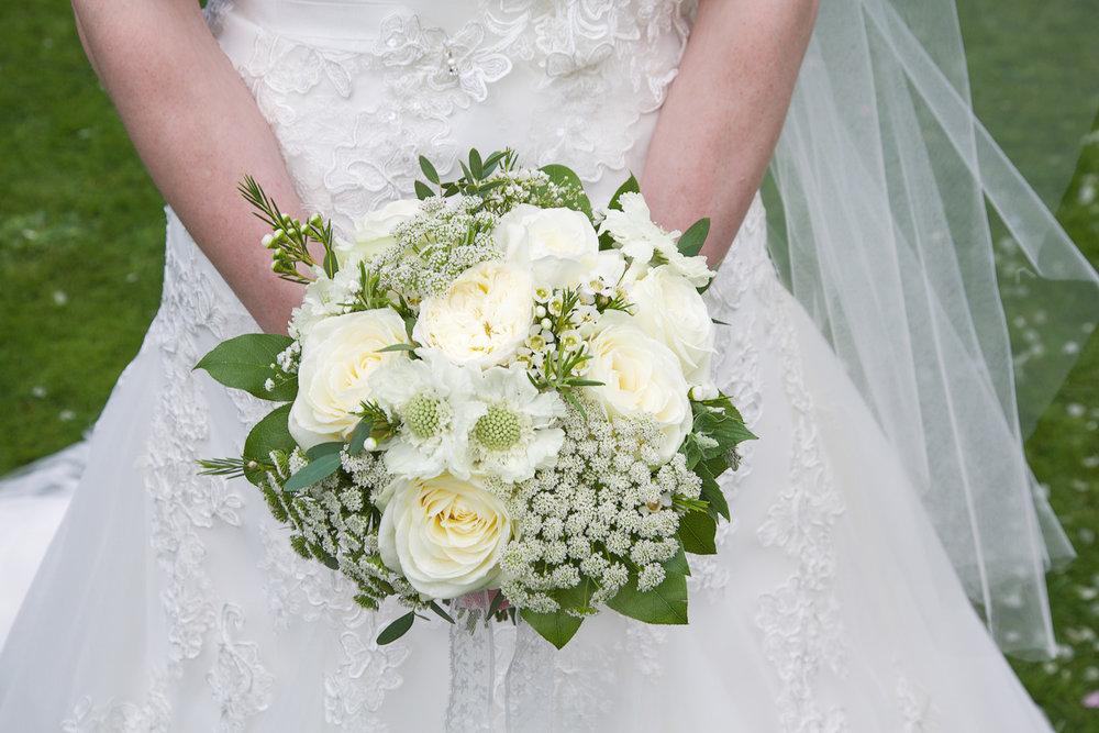 Newbury_Manor_Hotel_Wedding_Photographer_Newbury_Berkshire_020.jpg