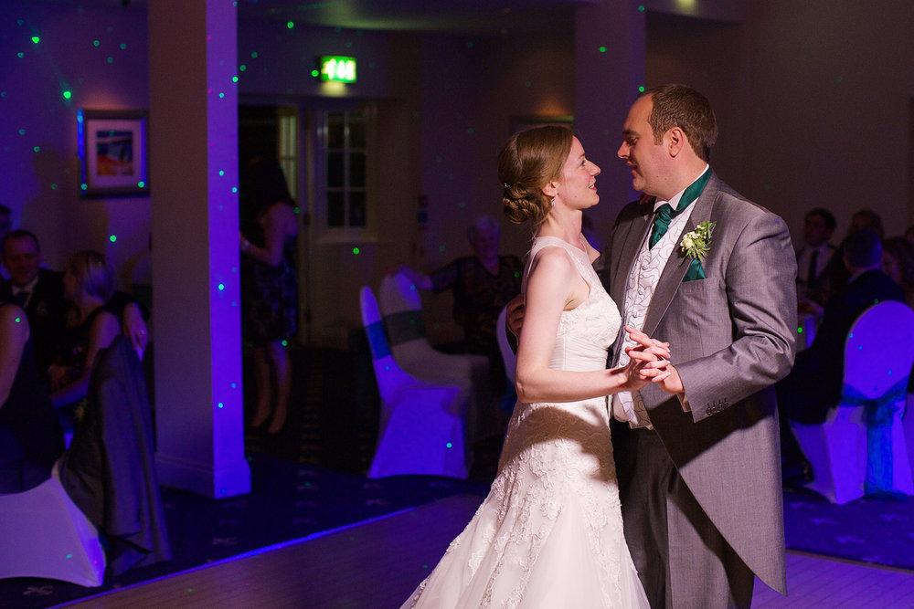 Newbury_Manor_Hotel_Wedding_Photographer_Newbury_Berkshire_022.jpg