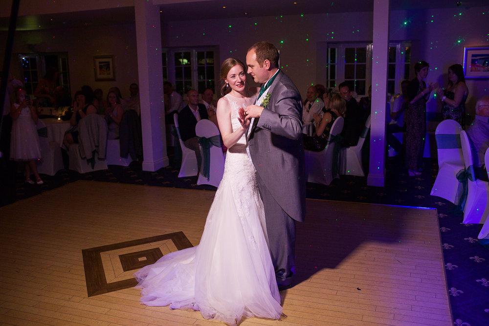 Newbury_Manor_Hotel_Wedding_Photographer_Newbury_Berkshire_023.jpg